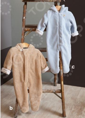Angel Dear, создает классическую одежду для новорожденных и детей младшего возраста от 0 до 4 лет . При создании учитываются самые современные тенденции в мире моды, и особое внимание уделяется деталям. Каждая коллекция имеет свой неповторимый стиль, который дополняется различными милыми аксессуарами, чтобы сохранить ощущения столь сладостного периода детства. Комфорт ребенка - основополагающий принцип в создании коллекций каждого сезона. Линии одежды Angel Dear вы можете увидеть в лучших бутиках и магазинах по всей территории США. Комбинезон утепленный Angel Dear Fuzzy. Очаровательный утепленный комбинезон с удобной застежкой на молнию и длинными рукавами. Капюшон украшен забавными декоративными ушками. Состав: 100 полиэстер, подкладка - 100 хлопок.