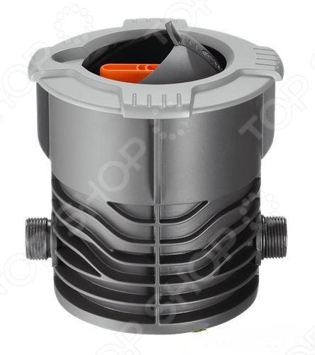 Кран запорный Gardena 2724 используется в комплексе с поливочной системой на приусадебном участке. Кран не портит внешнего вида газона, так как устанавливается под землёй и абсолютно незаметен. Откидная крышка защищает колонку от попадания мусора и не мешает обработке газона. Необходим в тех случаях, когда необходимо отрегулировать подачу воды и отключить дождеватель вручную. Наружная резьба 3 4 .