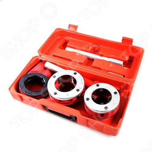 Набор клуппов трубных FIT 70008Резьбонарезной инструмент<br>Набор клуппов трубных FIT - это сборная плашка для нарезки резьбы на металлических трубах стандартного диаметра. Состоит из:  Клуппа 1,1 2  Клуппа 2  Изготовлены из высокопрочной инструментальной стали, тем самым гарантируя долговечность инструментам. В комплекте входит компактный ластиковый чемодан для хранения инструментов.<br>