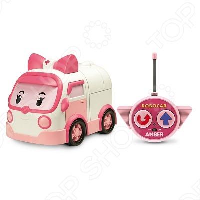 Игрушка на радиоуправлении Poli ЭмберДругие радиоуправляемые игрушки<br>Игрушка на радиоуправлении Poli Эмбер станет замечательным подарком для малыша. Эмбер - это машинка-девочка, которая живет в замечательном городке вместе со своими друзьями. Данная модель выполнена в розово-белой гамме, на лобовом стекле у нее глазки, а на крыше розовый бантик. Эмбер одна из представителей команды спасателей. Все детали выполнены из качественного материала, который не вызывает аллергии. Игрушка радиоуправляемая. Размер машинки 15 см.<br>