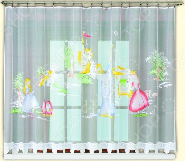 Гардина Haft 42830-160 это качественный оконный занавес, который преобразит интерьер и оживит атмосферу, придав всей комнате домашний уют, завершенность и оригинальность. Гардина изготовлена из полиэстера, который практически не мнется, легко отстирывается от загрязнений, не притягивает пыль и не требует глажки. Благодаря этому ткань способна выдержать сотни стирок без потери цвета и прочности. Обычные материалы со временем выгорают, на них собирается пыль, появляются неприятные запахи. С полиэстером этого не происходит гардина почти не пачкается и не впитывает запахи, при этом вы очень легко ее постираете и высушите. Интерьер квартиры или дома, в котором окна не украшены занавесом, сегодня трудно представить, поэтому гардина станет отличным подарком для любого человека. Купить гардину способ недорого, быстро и изящно преобразить дизайн домашнего интерьера!