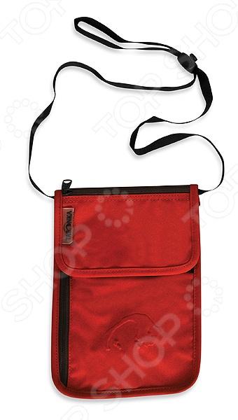Кошелек Tatonka Neck Wallet легкий и практичный кошелек на застежке, станет полезным предметом не только в повседневном использовании, но и в походах, и путешествиях. Аксессуар выполнен из высококачественных и износоустойчивых материалов, имеет отделения для денег, карт, поэтому ваши личные вещи будут в полной безопасности. Можно носить на шее благодаря регулируемому ремню.