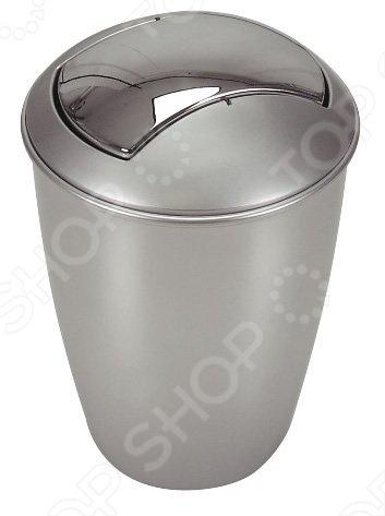 Ведро для мусора Spirella ATLANTA изготовлено из высококачественной пластмассы. Оснащено поворотной крышкой, которая открывается легким нажатием руки, а после сама возвращается в исходное положение. Верхняя часть ведра является съемной, что позволяет извлекать накопившийся мусор без особых проблем. Благодаря универсальной расцветке и небольшим размерам впишется в интерьер любого помещения. НЕ ИСПОЛЬЗОВАТЬ: растворители, спирты, кислоты, абразивные порошки.