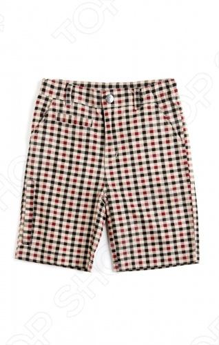 Шорты для мальчика Appaman Board Shorts это вещь, которая совмещает абсолютное удобство движения и стильный дизайн. Подходящая одежда для будущего джентльмена! Благодаря регулируемому эластичному поясу и надежной застежке с кнопкой и молнией ребенок ощущает полный комфорт в движении. Есть много удобных кармашков: по бокам, сзади, карман с молнией на брючине. А благодаря модному принту с английской клеткой ребенок будет самым красивым всегда и везде! Состав: 100 хлопок. Американский бренд Appaman основан в 2003 году дизайнером Харальдом Хузуме. Он создает уникальные наряды в стиле AMERIPOP. Хузум находит вдохновение на улицах Бруклина, работая над многообразной палитрой ярких одежд. Воплощая свои творческие проекты, дизайнер не забывает об удобстве и качестве детских вещей. Вы считаете, что наряд Вашего ребенка должен быть не только удобным, но также стильным и индивидуальным Тогда бренд Appaman для Вас!