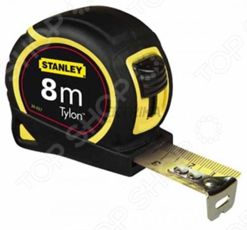 Рулетка измерительная STANLEY Tylon является приспособлением для проведения разметочных работ. Двухкомпонентный корпус оснащен мягкими вставками из эластомера. На корпусе расположен фиксатор для торможения ленты в нужном положении. Предусмотрен зажим для переноски приспособления на поясном ремне. Крючок на мерной ленте обеспечивает точность измерения. Специальное покрытие Tylon делает ленту более устойчивой к износу.