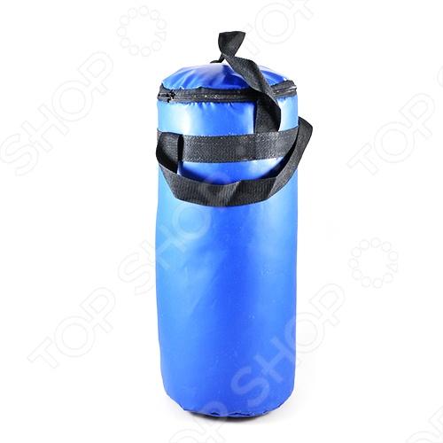 Мешок боксерский ТО предназначен для отработки ударов руками. Подвешивается с помощью ремней. Выполнен в синем цвете. Внутренний наполнитель - опилки.