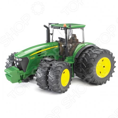 Трактор с двойными колесами Bruder John Deere 7930 tomy britains трактор john deere 6210r