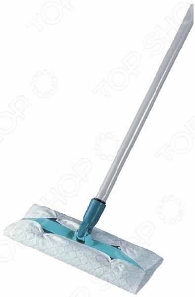 Швабра с телескопической ручкой Leifheit HAUSREIN Clean&amp;amp;AwayШвабры и щетки<br>Швабра Leifheit HAUSREIN Clean Away идеально подойдет для влажной или сухой уборки в помещениях и без усилий справится с большой площадью всех типов поверхностей. Насадка-салфетка с эффектом Magneto-Static собирает пыль, грязь, волосы и шерсть домашних животных подобно магниту в комплекте поставляется 5 салфеток . При необходимости замены, насадка легко снимается. Благодаря телескопической ручке до 1,3 метров и шарнирному механизму крепления, у вас есть возможность уборки даже в самых труднодоступных местах.<br>