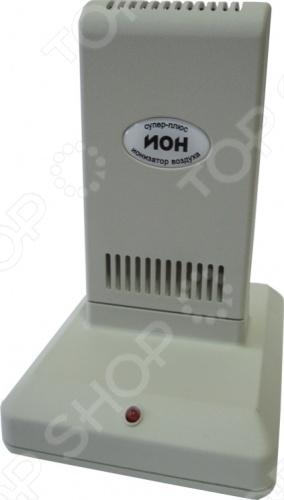 Очиститель-ионизатор воздуха Супер Плюс ИОНОсушители. Очистители. Увлажнители воздуха<br>Очиститель-ионизатор воздуха Супер Плюс ИОН состоит из 2-х частей: основания, в котором расположен электронный блок питания и легкосъемная кассета. Внутри кассеты размещены ионизирующий узел и осадительные электроды, образующие очистную камеру. Рекомендуемое рабочее положение прибора - вертикальное. Работа Супер Плюс ИОН основана на принципе ионного ветра , который возникает в результате коронного разряда и обеспечивает движение потока воздуха через кассету прибора, при этом насыщаются ионами частицы аэрозоля пыль, дым, микроорганизмы , загрязняющие воздух, всасываются вместе с воздухом в кассету, приобретая электрический заряд и под действием электростатического поля прилипают к осадительным пластинам, расположенным внутри кассеты Супер Плюс ИОН. Одновременно происходит дополнительная наружная очистка воздуха. Аэрозольные, то есть взвешенные в воздухе, не прошедшие через очистную камеру частицы, взаимодействуют с отрицательными ионами и приобретают отрицательный заряд. Эти частицы притягиваются положительно заряженными поверхностями это может быть пол, стены, экран телевизора . В результате происходит дополнительная очистка воздуха, а влажную уборку поверхностей рекомендуется проводить чаще.<br>