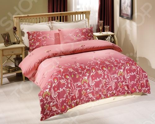 Комплект постельного белья Tete-a-Tete «Летиция». СемейныйСемейные<br>Комплект постельного белья Tete-a-Tete Летиция размерности семейное выполнен в насыщенном розовом цвете, обладает тонкостью, воздушной легкостью и невероятной шелковистостью. Такое белье легко впишется в интерьер спальни и подарит вам спокойный, безмятежный сон. Наволочки имеют клапан без пуговиц и молнии. Пододеяльники застегиваются на молнию на нижнем конце пододеяльника, которая оснащена фиксаторами, не позволяющими ей расстегиваться до самого конца. Молния очень прочная и состоит из одной эргономичной детали, что продлевает ее срок службы. Свойства белья Tete-a-Tete Летиция : 100 хлопок, плотность 155 г м2. Все предметы комплекта цельнокроеные. Упаковка: подарочная коробка.<br>