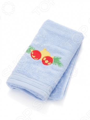 Компания TAC является одним из ведущих турецких текстильных предприятий. На российском рынке турецкий бренд TAC занимает лидирующее место благодаря своему высокому качеству и дизайну. Текстильная компания TAC выпускает продукцию в очень широком ассортименте. Это и изумительно красивое и качественное постельное белье, и подушки, и одеяла, и полотенца, и чехлы для матрасов, и детский текстиль, и шторы. Среди продукции марки TAC каждый может найди для себя то, что ему придется по вкусу. Полотенце подарочное с вышивкой TAC New year bells выполнено из приятной на ощупь махровой ткани фроте красного или голубого цвета и декорировано аппликацией в виде новогодних елочных игрушек. Полотенце хорошо поглощает влагу и не вызывает раздражения. Благодаря высокому качеству изготовления полотенце будет радовать вас многие годы. Фроте - это натуральная ткань, поверхность которой состоит из ворса петель основных нитей . Ворс может быть как одинарным односторонним , так и двойным двусторонним . Полотенца из такой ткани приятно удивляют и дают возможность почувствовать себя творцом окружающего декора.