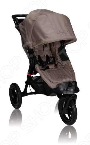 Коляска Baby Jogger City Elite Single роскошная коляска премиального класса от американской компании Baby Jogger. Никогда еще прогулка с малышом не была такой комфортной и удобной, как с коляской City Elite. Данная прогулочная коляска является настоящим внедорожником, имеет большие колеса, которые помогут вам с легкостью гулять с малышом, где бы вы не находились. City Elite снабжена множеством комфортных мелочей для вас и вашего ребенка - вентиляционные окошки на магнитах, регулируемая подножка для ног, регулируемая по высоте ручка, мягкое, отделанное плюшем сиденье и другое. Как и другие модели Baby Jogger, коляска имеет уникальную запатентованную систему сложения Quick Fold и позволяет вам сложить коляску одной рукой в одно движение.