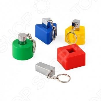 Настенные держатели для ключей с брелками J-me Shapes представляют собой набор из нескольких элементов разных форм с отверстиями для брелоков. Они могут размещаться в любой последовательности по горизонтали или вертикали, придавая интерьеру особый шарм. Кроме того, элементы могут использоваться по отдельности в разных помещениях. Брелки произведены из литой стали, благодаря чему они будут удобно лежать в руке и легко закрепляться в держателе.