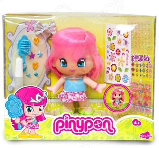 Кукла Famosa Pinypon «Макияж и модная прическа». В ассортиментеКуклы<br>Товар продается в ассортименте. Вид изделия зависит от товарного ассортимента на складе. Кукла Famosa Pinypon Макияж и модная прическа это маленькая очаровательная кукла, которая понравится любой девочке. Пинипон заставляет всех, кто на нее смотрит обязательно улыбнуться в ответ на ее искреннюю улыбку. Добрые глаза, забавная улыбка и необычная одежда обязательно привлекут внимание вашей малышки и ее подружек. У этой Пинипон настоящие волосы. В комплект также входит все необходимое для создания модного образа: расческа, блеск для губ, блестки и др.<br>