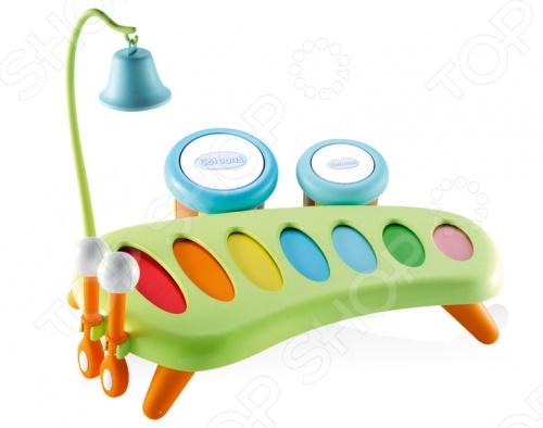 Ксилофон Smoby 211013 отличный подарок для вашего малыша. У игрушки есть 7 разноцветных звонких пластин, она стоит на небольших устойчивых ножках, а палочки для игры изготовлены так, чтобы маленьким пальчикам ребенка было удобно их держать. Палочки после окончания игры можно вставить в специальные отверстия сбоку. Наличие тамбурин - маленьких барабанчиков с разным звучанием могут служить и маракасами. Колокольчик на высоком штативе с крючком, который крепится к ксилофону, разнообразит композицию. Ксилофон Smoby 211013 поможет развить слух, чувства ритма и музыкальной памяти, творческое и логическое мышление, речь и навыки общения вашего ребенка