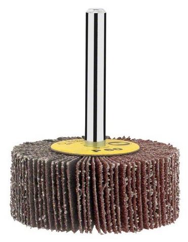 Валик ламельный BoschНасадки для шлифования, полировки, чистки<br>Валик ламельный Bosch это универсальный валик, который используется при обработке древесины, металла, краски или пластмассы. Он походит для дрелей и всех шлифмашин с цанговыми зажимами. С помощью инструментов Bosch и аксессуаров к ним вы сможете придать неповторимость своему дому, выполнить ремонтные и восстановительные работы. Во всей продукции Bosch применяются инновационные технологии для того, чтобы обеспечить максимальное удобство для пользователей. Инструменты Bosch это оптимальное сочетание качества и надежности с простотой и удобством использования.<br>