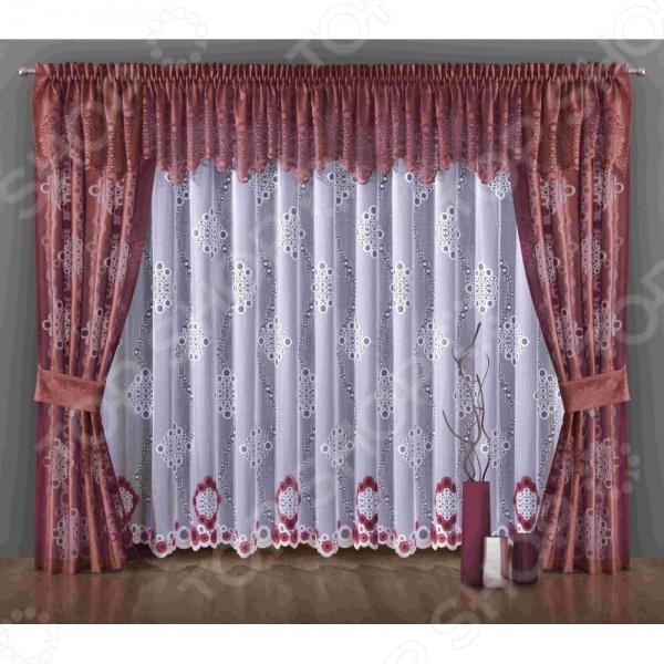 Комплект штор Wisan 5999Шторы<br>Комплект штор Wisan 5999 это качественный оконный занавес, который преобразит интерьер и оживит атмосферу, придав всей комнате домашний уют, завершенность и оригинальность. Шторы изготовлены из полиэстера, который практически не мнется, легко отстирывается от загрязнений, не притягивает пыль и не требует глажки. Благодаря этому ткань способна выдержать сотни стирок без потери цвета и прочности. Обычные материалы со временем выгорают, на них собирается пыль, появляются неприятные запахи. С полиэстером этого не происходит штора почти не пачкается и не впитывает запахи, при этом вы очень легко ее постираете и высушите. Интерьер квартиры или дома, в котором окна не украшены занавесом, сегодня трудно представить, поэтому шторы станут отличным подарком для любого человека. Купить шторы способ недорого, быстро и изящно преобразить дизайн домашнего интерьера!<br>