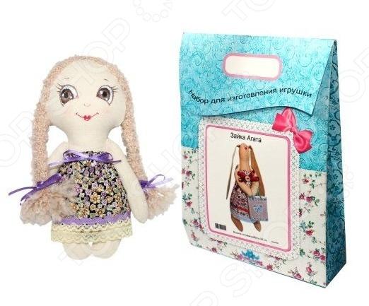 Подарочный набор для изготовления текстильной игрушки Кустарь «Лерочка»Изготовление кукол<br>Подарочный набор для изготовления текстильной игрушки Кустарь Лерочка это возможность своими руками сделать игрушечного друга. Очаровательная кукла Лерочка 22 см , изготовленная в стиле Tilda, одинаково понравится детям и взрослым. Она может стать прекрасным подарком близкому человеку, а может поселиться в вашей комнате. Игрушку очень просто изготовить, следуя подробной инструкции, приложенной к набору. Для прорисовки лица игрушки вы можете использовать акриловые краски или растворимый кофе, а для тонирования клей ПВА. В набор входят: 1.Ткань для тела 100 хлопок , ткань для одежды 100 хлопок , супер пух для набивки. 2.Декоративные элементы, пуговицы, нитки для волос, ленточки, кружево, украшения. 3.Инструмент для набивания игрушки, выкройка, инструкция.<br>