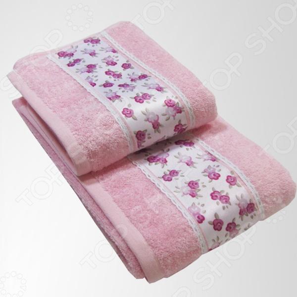 Набор из 2-х полотенец Primavelle LiaПолотенца<br>Набор из 2-х полотенец Primavelle Lia прекрасно подойдет для вашей ванной комнаты. Полотенца очень мягкие, пушистые и приятные на ощупь, выполнены из натурального хлопкового волокна в нежно-розовой цветовой гамме и декорированы цветочным принтом. Они хорошо впитывают влагу и оказывает легкое массажное воздействие на тело, не вызывая раздражения кожи. Изделия не линяют и не теряют форму во время стирки.<br>