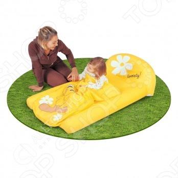 Кровать надувная со спальным мешком Bestway 97037Надувные матрасы, кресла, кровати<br>Кровать надувная со спальным мешком Bestway 97037 - прекрасно подходит для любителей путешествовать. Удобный красочный матрас в комплекте со спальником порадует Вашего малыша и он с удовольствием отдохнёт на нем на природе или в путешествии. Матрас рассчитан на детей в возрасте от 3-х до 6-ти лет. В собранном виде он занимает мало мести и его удобно транспортировать. Изготовлен из качественных нетоксичных материалов.<br>