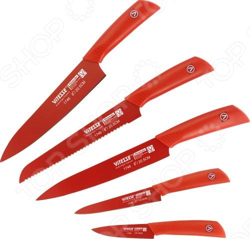 Товар продается в ассортименте. Возможные варианты цвета: красный и серый. Цвет изделия при комплектации заказа зависит от наличия цветового ассортимента товара на складе. Набор ножей Vitesse Onaeda превратит готовку на кухне из рутины в удовольствие. В наборе 5 ножей для разных задач. Лезвия обладают острой режущей кромкой, сделаны из высококачественной нержавеющей стали 420J2 с покрытием Non-Stick, легко затачиваются. Рукоятка из бакелита обеспечит удобный хват.