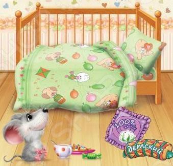 Комплект постельного белья Кошки-Мышки Веселые друзья это незаменимый элемент спальни. Ребенок много времени проводит в постели, и от ощущений, которые он испытывает при прикосновении к простыням или наволочкам, многое зависит. Чтобы сон всегда был комфортным, а пробуждение приятным, мы предлагаем вам этот комплект постельного белья. Приятный цвет и высокое качество комплекта гарантирует, что атмосфера детской спальни спальни наполнится теплотой и уютом. Комплект сшит из бязи. У такой ткани есть ряд преимуществ:  плотная ткань гарантирует длительный срок службы;  приятна на ощупь;  не деформируется и не теряет цвет даже после многочисленных стирок;  белье гигиенично, не вызывает аллергических реакций.