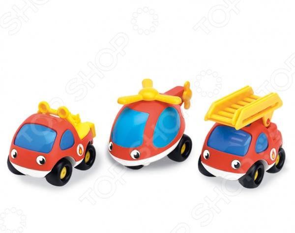 Набор машинок Smoby 750032Машинки<br>Набор Smoby 750032 состоит из 3-х машинок и предназначен для малышей от 1,5 лет. Автомобильчики созданы в забавном, красочном стиле. У них веселые глазки-фары, а кузов имеет округлые очертания, что очень нравится детям. Размер каждой модели 8,5 см. Игрушка изготовлена из высококачественного ударопрочного пластика, который абсолютно безопасен для здоровья вашего ребенка. Яркие машинки разнообразят игровые ситуации, откроют новые сюжеты для маленького автолюбителя и помогут развить мелкую моторику рук и воображение. Не упустите шанс порадовать своего малыша замечательным подарком!<br>