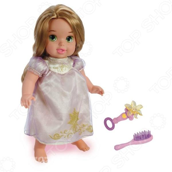 Кукла-малютка JAKKS Рапунцель с длинными волосами - станет прекрасным подарком для девочки. Очаровательная куколка одета в милое платьице нежных цветов. В комплект входят интересные и оригинальные аксессуары, которые сделают процесс игры еще более интересным и увлекательным. Игры с куклой способствуют развитию фантазии, воображения и абстрактного мышления. Игрушка отлично подходит для сюжетно-ролевых игр. Кукла изготовлена из высококачественных экологически чистых материалов, абсолютно безопасных для ребенка.