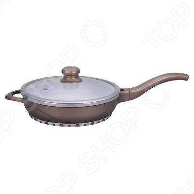 Сковорода Rainstahl RS-795Сковороды<br>Сковорода Rainstahl RS-795 это объемная сковорода с высококачественным покрытием прекрасно подходит для приготовления продуктов. Благодаря специальному покрытию, на ней можно приготовить разнообразные блюда из мяса, рыбы, птицы и овощей практически не используя масло. Готовое блюдо получится не только вкусным, но и полезным. Сковорода снабжена эргономичной ручкой, которая не нагревается в процессе приготовления пищи. Можно мыть в посудомоечной машине.<br>