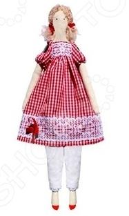 Набор для изготовления текстильной игрушки Кустарь «Эмма»Изготовление кукол<br>Набор для изготовления текстильной игрушки Кустарь Эмма это возможность своими руками сделать игрушечного друга. Очаровательная кукла Эмма 42 см , изготовленная в стиле Tilda, одинаково понравится детям и взрослым. Она может стать прекрасным подарком близкому человеку, а может поселиться в вашей комнате. Игрушку очень просто изготовить, следуя подробной инструкции, приложенной к набору. Для прорисовки лица игрушки вы можете использовать акриловые краски или растворимый кофе, а для тонирования клей ПВА. В набор входят: 1.Ткань для тела 100 хлопок , ткань для одежды 100 хлопок . 2.Декоративные элементы, пуговицы, нитки для волос, ленточки, кружево, украшения. 3.Инструмент для набивания игрушки, выкройка, инструкция.<br>