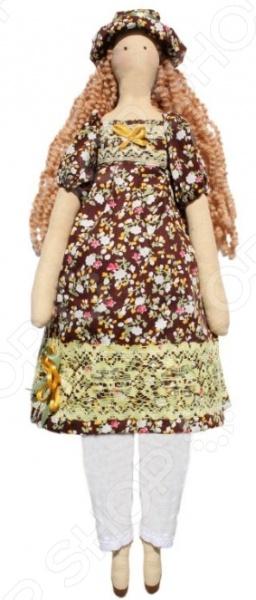 Подарочный набор для изготовления текстильной игрушки Кустарь «Наталья»Изготовление кукол<br>Подарочный набор для изготовления текстильной игрушки Кустарь Наталья это возможность своими руками сделать игрушечного друга. Очаровательная кукла Наталья 42 см , изготовленная в стиле Tilda, одинаково понравится детям и взрослым. Она может стать прекрасным подарком близкому человеку, а может поселиться в вашей комнате. Игрушку очень просто изготовить, следуя подробной инструкции, приложенной к набору. Для прорисовки лица игрушки вы можете использовать акриловые краски или растворимый кофе, а для тонирования клей ПВА. В набор входят: 1.Ткань для тела 100 хлопок , ткань для одежды 100 хлопок , суперпух для набивки. 2.Декоративные элементы, пуговицы, нитки для волос, ленточки, кружево, украшения. 3.Инструмент для набивания игрушки, выкройка, инструкция.<br>