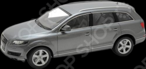 Модель автомобиля 1:18 Welly Audi Q7. В ассортиментеМодели авто<br>Товар продается в ассортименте. Цвет изделия при комплектации заказа зависит от наличия товарного ассортимента на складе. Модель 1:18 Audi Q7 представляет собой точную копию настоящего автомобиля. Коллекционная модель выпущена известной компанией по производству игрушек Welly. Особенность коллекции в том, что все модели изготовлены по лицензии именитых автопроизводителей. Она изготовлена из металла с элементами пластика. У машинки открываются двери, капот, вращаются колеса. Модель 1:18 Audi Q7 является отличным подарком не только ребенку, но и коллекционеру.<br>