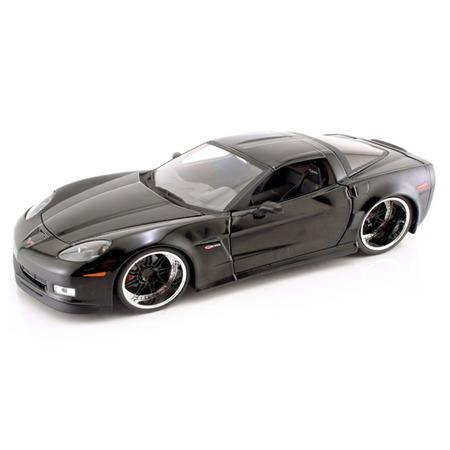 Купить Модель автомобиля 1:24 Jada Toys Corvette 2006. В ассортименте