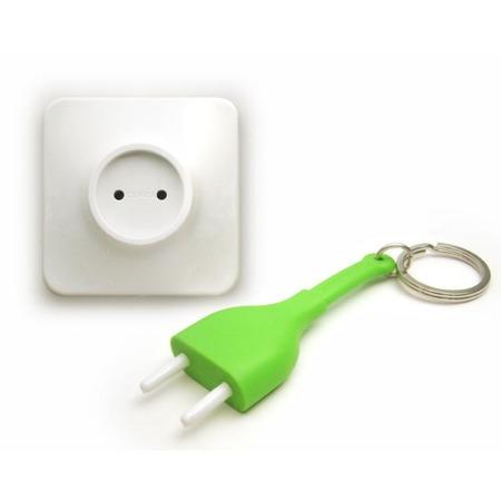 Купить Брелок и держатель для ключа Qualy Unplug