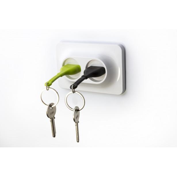 фото Двойной брелок и держатель для ключа Qualy Unplug. Цвет: черный