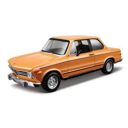 Купить Модель автомобиля 1:32 Bburago BMW 2002tii. В ассортименте
