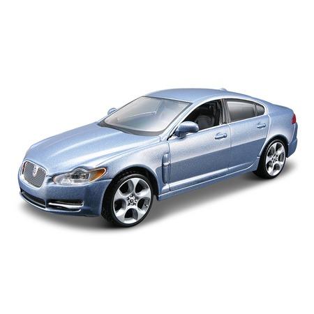 Купить Модель автомобиля 1:32 Bburago Jaguar XF