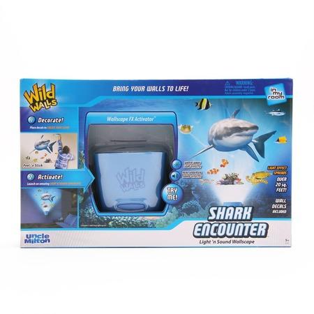 Купить Интерактивный настенный проектор Uncle Milton «Встреча с белой акулой»