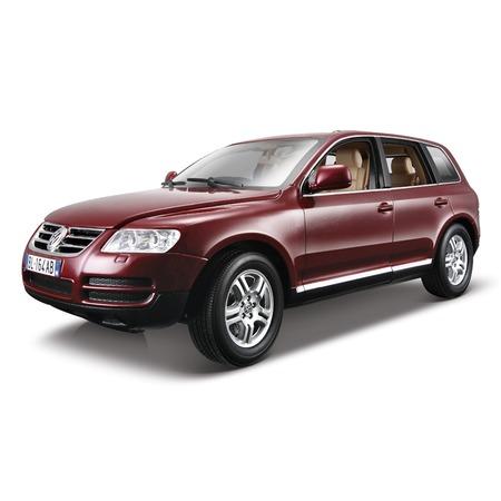 Купить Модель автомобиля 1:18 Bburago Volkswagen Touareg. В ассортименте