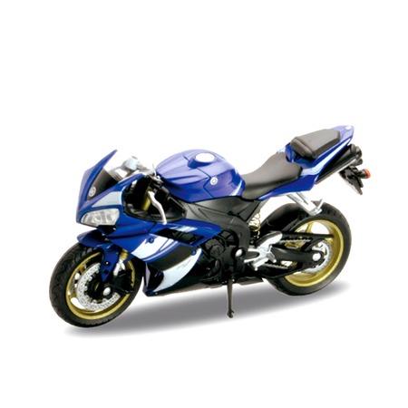 Модель мотоцикла 1:18 Welly Yamaha YZF-R1. В ассортименте